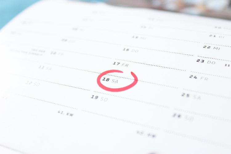 calendar with a red circle - Three vital tips for the beginner's fitness journey